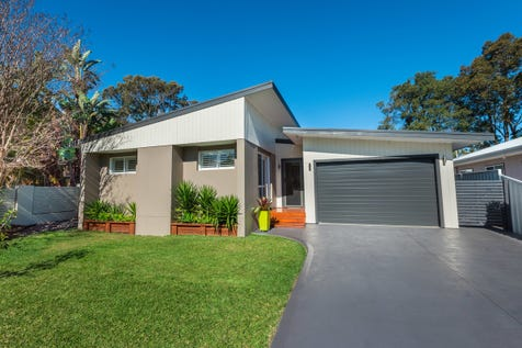 7 Tall Timbers Road, Wamberal, 2260, Central Coast - House / STUNNING SINGLE LEVEL GEM / Garage: 1 / P.O.A