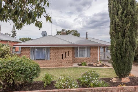 5 Burgoyne Street, Northam, 6401, East - House / LOOK NO MORE... / Fully Fenced / Outdoor Entertaining Area / Carport: 1 / Broadband Internet Available / Built-in Wardrobes / Evaporative Cooling / Open Fireplace / Living Areas: 1 / Toilets: 1 / $285