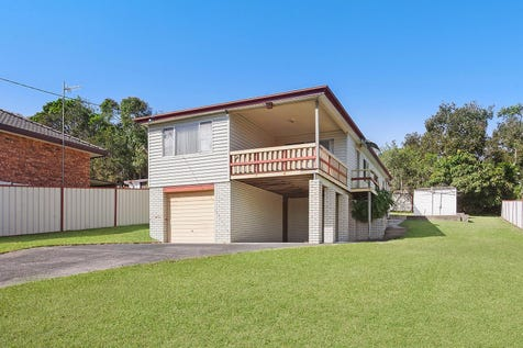 11 John Street, Forresters Beach, 2260, Central Coast - House / Excellent opportunity for entry in a beachside suburb  / Balcony / Garage: 2 / Air Conditioning / $830,000