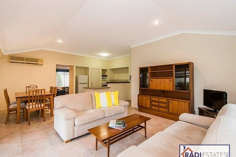 a/117 Birkett Street, Bedford, 6052, North East Perth - House / This is the one if you are Right Sizing? NO STRATA FEES / Carport: 2 / Air Conditioning / $469,000