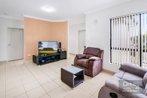 49 Vine Street, Hurstville, 2220, St George - Apartment / Full brick freestanding house at one of the premium locations in Hurstville / Garage: 1 / Open Spaces: 1 / Remote Garage / Air Conditioning / Built-in Wardrobes / Ensuite: 1 / Toilets: 1 / $1,000,000