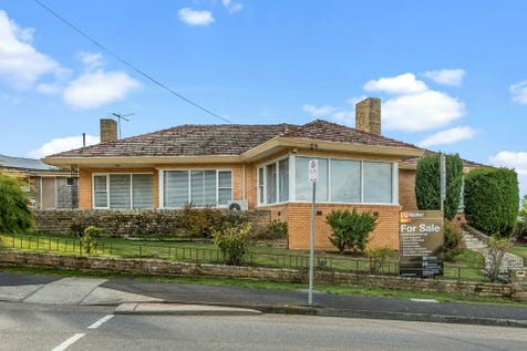 26 Marys Hope Road, Rosetta, 7010, Central Hobart - House / Convenience Is The Key / Shed / Carport: 1 / Garage: 1 / Secure Parking / Open Fireplace / Reverse-cycle Air Conditioning / Toilets: 2 / $449,000