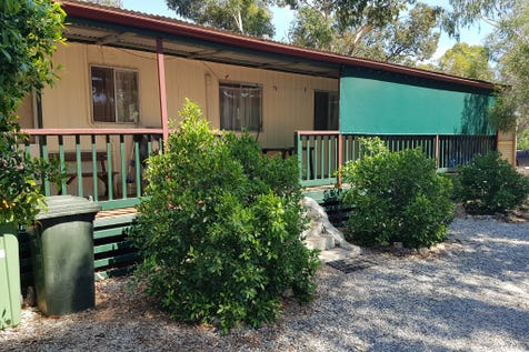 27 Dyer Street, Clackline, 6564, East - House / Price reduced!!! Cosy Little Cottage!! / Carport: 1 / Garage: 2 / Air Conditioning / Toilets: 1 / $275,000