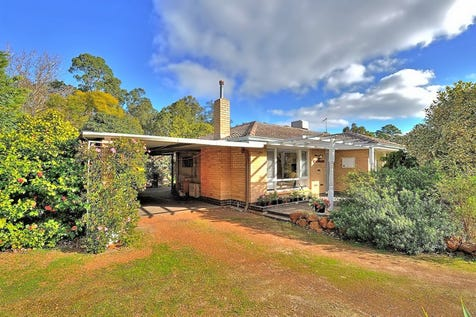 26 Pretty Lane, Mundaring, 6073, North East Perth - House / A PRETTY PLACE / Carport: 1 / Air Conditioning / Floorboards / Toilets: 1 / $449,000