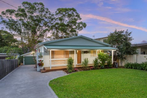 111 Lakin Street, Bateau Bay, 2261, Central Coast - House / Under Contract / Garage: 2 / Toilets: 3 / $829,000