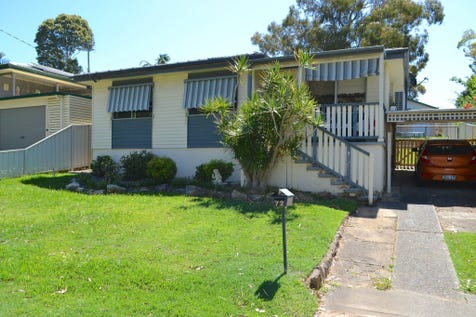 72 Donald Avenue, Kanwal, 2259, Central Coast - House / SHIFT RIGHT IN AND RENOVATE AS YOU GO / Carport: 1 / $390,000
