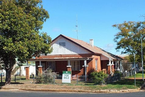 12 Phillip Street, Parkes, 2870, Central Tablelands - House / Excellent Investment and Development Opportunity / $550,000