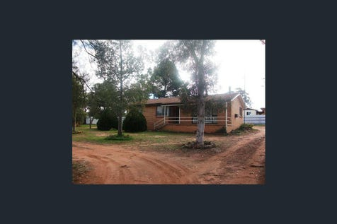 3 Stenhouse Street, Condobolin, 2877, Central Tablelands - House / 3 Stenhouse Street / Open Spaces: 10 / Toilets: 1 / $115,000