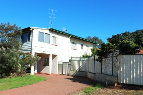 81 Gordon St, Northam, 6401, East - House / Price, Position, Presentation / Balcony / Carport: 1 / Open Spaces: 3 / Air Conditioning / Floorboards / Toilets: 2 / $318,000