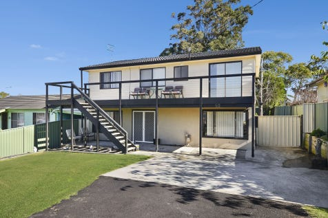 52 Iluka Avenue, San Remo, 2262, Central Coast - House / THE ENTERTAINERS DELIGHT / Garage: 2 / $459,000