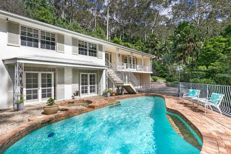 27 Dress Circle Road, Avalon Beach, 2107, Northern Beaches - House / Private oasis on 936sqm, easy walk to school and village / Garage: 2 / Open Spaces: 2 / P.O.A