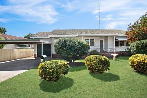 24 Maitland Road, Singleton, 2330, Hunter Region - House / NEAT AND TIDY, FANTASTIC FIRST HOME!! / Garage: 1 / $327,000
