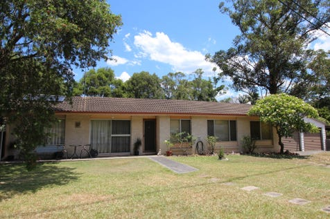 12 Tangerine Avenue, Springfield, 2250, Central Coast - House / Undeniable Potential / Fully Fenced / Carport: 1 / Garage: 2 / Built-in Wardrobes / Dishwasher / Split-system Air Conditioning / P.O.A