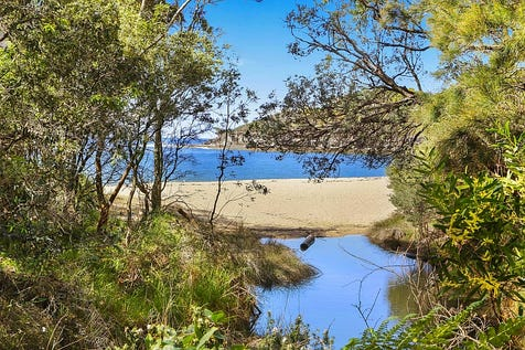 14 Pearl Parade, Pearl Beach, 2256, Central Coast - House / Directly Opposite Pearl Beach - Rare Pearl Parade Beachside Beach House / Balcony / Open Spaces: 4 / Floorboards / Toilets: 2 / $2
