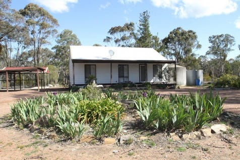 8 Pine Close, Mudgee, 2850, Central Tablelands - Lifestyle / IDEAL RURAL LOCATION / Garage: 6 / Air Conditioning / $259,000