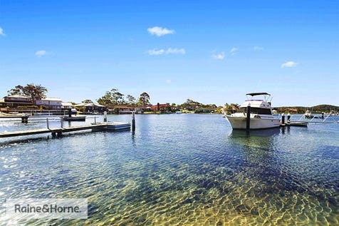 10 Marina View Parade, St Huberts Island, 2257, Central Coast - House / EXTRA LIVING ON THE WATERFRONT / Carport: 1 / Garage: 1 / $879,000
