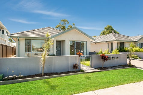 3/209-211 Burge Road, Woy Woy, 2256, Central Coast - Villa / Perfect Position / Garage: 1 / Air Conditioning / $645,000