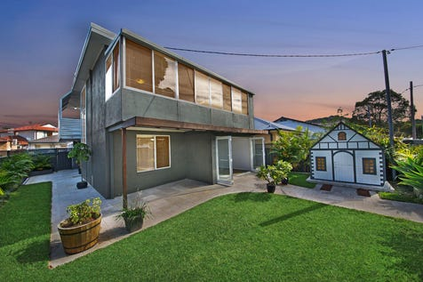89 Booker Bay Road, Booker Bay, 2257, Central Coast - House / LARGE FAMILY HOME SET IN A PRIME LOCATION! / Open Spaces: 2 / $830,000