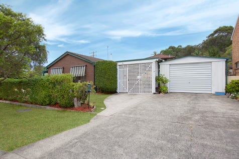 30 Thomas Walker Drive, Chittaway Bay, 2261, Central Coast - House / A Place In The Sun / Carport: 2 / Garage: 1 / Toilets: 2 / $619,000