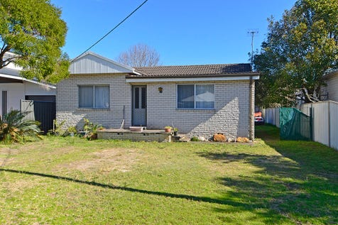 28 Webb Road, Booker Bay, 2257, Central Coast - House / LARGE BLOCK - GOOD LOCATION! / Garage: 1 / $660,000