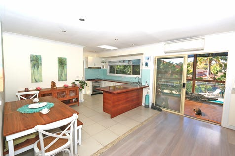 1652A Pittwater Road, Mona Vale, 2103, Northern Beaches - Townhouse / Single level living close to the village  / Garage: 2 / Air Conditioning / Built-in Wardrobes / Ensuite: 1 / Living Areas: 1 / Toilets: 2 / P.O.A