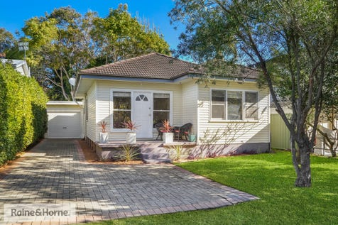 14 Lake View Parade, Umina Beach, 2257, Central Coast - House / BRILLIANT BUYING IN LAKEVIEW / Garage: 1 / $640,000