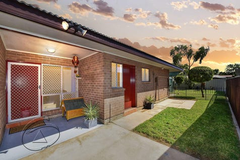 2/103 Spearwood Road, Sadadeen, 0870, Southern Region - Unit / A WINNER FOR THE BEGINNER! / Carport: 2 / Air Conditioning / Built-in Wardrobes / $279,000
