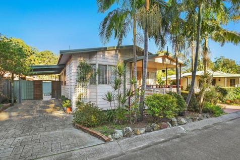 8/160 The Round Drive, Avoca Beach, 2251, Central Coast - House / Manufactured Home - The Palms At Avoca / Balcony / Carport: 2 / Air Conditioning / Built-in Wardrobes / Toilets: 1 / $250,000