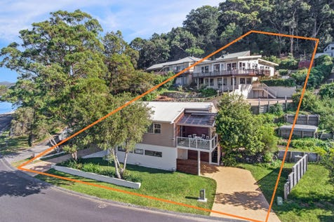 36 & 36a Henderson Rd, Saratoga, 2251, Central Coast - House / Dock at your Door / Carport: 4 / Garage: 2 / Study / Toilets: 4 / P.O.A