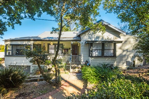 198 Ocean View Drive, Wamberal, 2260, Central Coast - House / Charming Cottage with Separate Accommodation / Garage: 2 / Open Spaces: 2 / $780,000