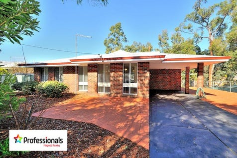 880 Cook Street, Mount Helena, 6082, North East Perth - House / FIRST HOME BUYERS LOOK NO FURTHER !!! / Carport: 1 / Open Spaces: 8 / Toilets: 1 / P.O.A