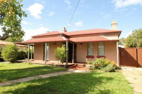 29 Douro Street, Mudgee, 2850, Central Tablelands - House / YESTERYEAR TODAY / Garage: 2 / Built-in Wardrobes / Ensuite: 1 / Living Areas: 1 / Toilets: 2 / $530,000