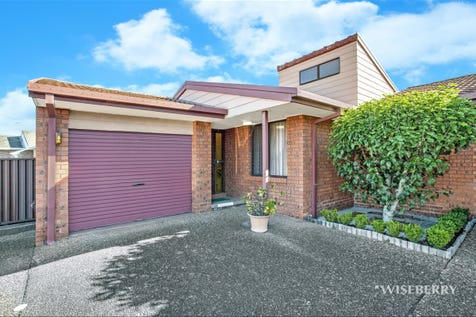 1/8 Telopea Close, Lake Haven, 2263, Central Coast - House / OUTSTANDING VILLA / Garage: 1 / Air Conditioning / $370,000