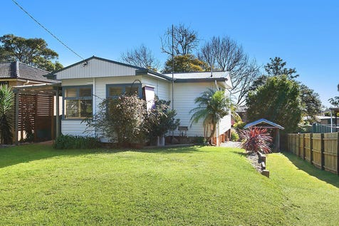 27 Rays Road, Bateau Bay, 2261, Central Coast - House / Charming solid home on 720sqm block / Deck / Carport: 1 / $530,000