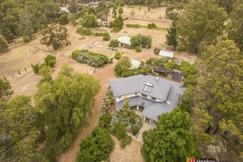 2080 Stevens Street, Sawyers Valley, 6074, North East Perth - Acreage/semi-rural / MORTGAGEE IN POSSESSION / Balcony / Outdoor Entertaining Area / Shed / Carport: 4 / Built-in Wardrobes / Indoor Spa / Open Fireplace / Rumpus Room / Study / Ensuite: 1 / Toilets: 3 / $840,000