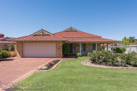 35 Golden Ash Gardens, Helena Valley, 6056, North East Perth - House / THE GOLDEN AGE / Garage: 2 / Toilets: 2 / $569,000