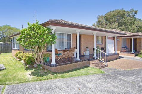 14/3-5 Oaks Avenue, Long Jetty, 2261, Central Coast - Villa / VILLA MAGIC - QUALITY COMPLEX / Courtyard / Fully Fenced / Garage: 1 / Secure Parking / Built-in Wardrobes / $389,000