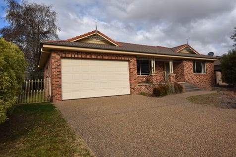 87 Sieben Drive, Orange, 2800, Central Tablelands - House / BRILLIANT IN BEL-AIR / Fully Fenced / Outdoor Entertaining Area / Shed / Garage: 2 / Remote Garage / Built-in Wardrobes / Dishwasher / Ducted Cooling / Ducted Heating / Reverse-cycle Air Conditioning / Ensuite: 1 / Toilets: 2 / $418,000