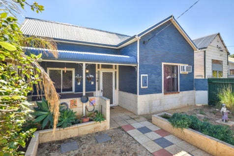 29 Richardson Street, Boulder, Kalgoorlie, 6430, East - House / Gorgeous cottage, oozing potential! / $169,000