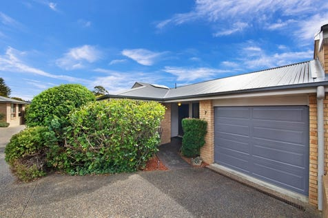 7/197 Albany Street, Point Frederick, 2250, Central Coast - Villa / Immaculate Villa in a Superb Location / Garage: 1 / $470,000