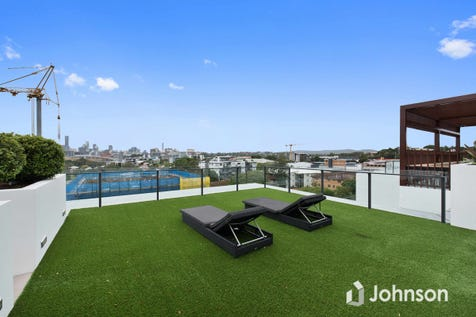 124/52 Grantson Street, Windsor, 4030, Northern Brisbane - Apartment / Invest or move in / Garage: 1 / Ensuite: 1 / Living Areas: 1 / Toilets: 2 / $410,000