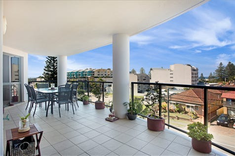 401/1-9 Torrens Avenue, The Entrance, 2261, Central Coast - Unit / Light, Bright, An Absolute Must See / Balcony / Garage: 1 / Secure Parking / Air Conditioning / Toilets: 2 / $500,000