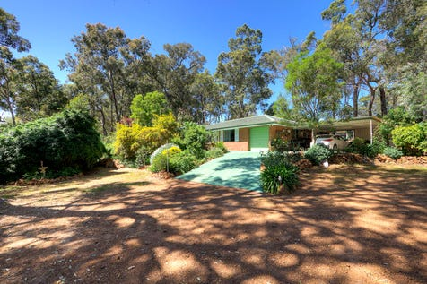 23 Swan Road, Mahogany Creek, 6072, North East Perth - House / Great Starter Home On Big Block / Carport: 2 / Garage: 1 / Air Conditioning / Toilets: 1 / $449,000