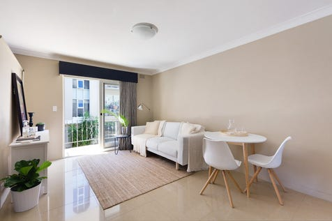 2/702 Barrenjoey Road, Avalon Beach, 2107, Northern Beaches - Unit / Stylishly Updated Apartment With Quality Modern Finishes - Excellent Investment Opportunity / Garage: 1 / $685,000
