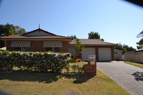22 Kula Close, Buff Point, 2262, Central Coast - House / EXCELLENT  VALUE  4  BEDROOM  FAMILY  HOME . / Outdoor Entertaining Area / Shed / Garage: 2 / Air Conditioning / Broadband Internet Available / Built-in Wardrobes / Dishwasher / $580,000