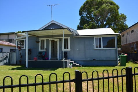 12 Birrabang Avenue, Summerland Point, 2259, Central Coast - House / A GOOD PLACE TO START / Garage: 1 / Toilets: 1 / $399,950
