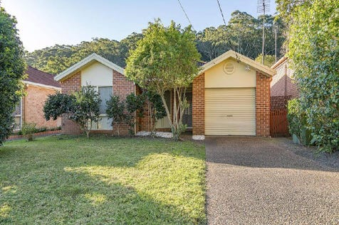 6 Red Cedar Close, Ourimbah, 2258, Central Coast - House / Tidy 3 Bedroom Home With Single Garage. / Garage: 1 / $540,000