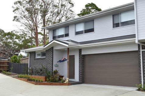 1/11 White St, East Gosford, 2250, Central Coast - Townhouse / LOCATION LOCATION LOCATION!! HOME FOR SALE - EAST GOSFORD NSW  with views of Brisbane Water!! / Courtyard / Deck / Fully Fenced / Shed / Garage: 2 / Remote Garage / Air Conditioning / Broadband Internet Available / Built-in Wardrobes / Dishwasher / $740,000