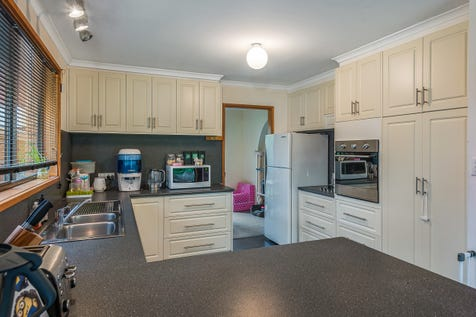 21 Jacombe Street, Richmond, 7025, Central Hobart - House / Warm family home in historic Richmond / Open Spaces: 2 / Air Conditioning / Toilets: 2 / $475,000