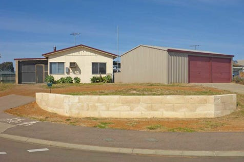 32 Arthur Street, Castletown, 6450, East - House / PACKED WITH POTENTIAL / Garage: 2 / $260,000